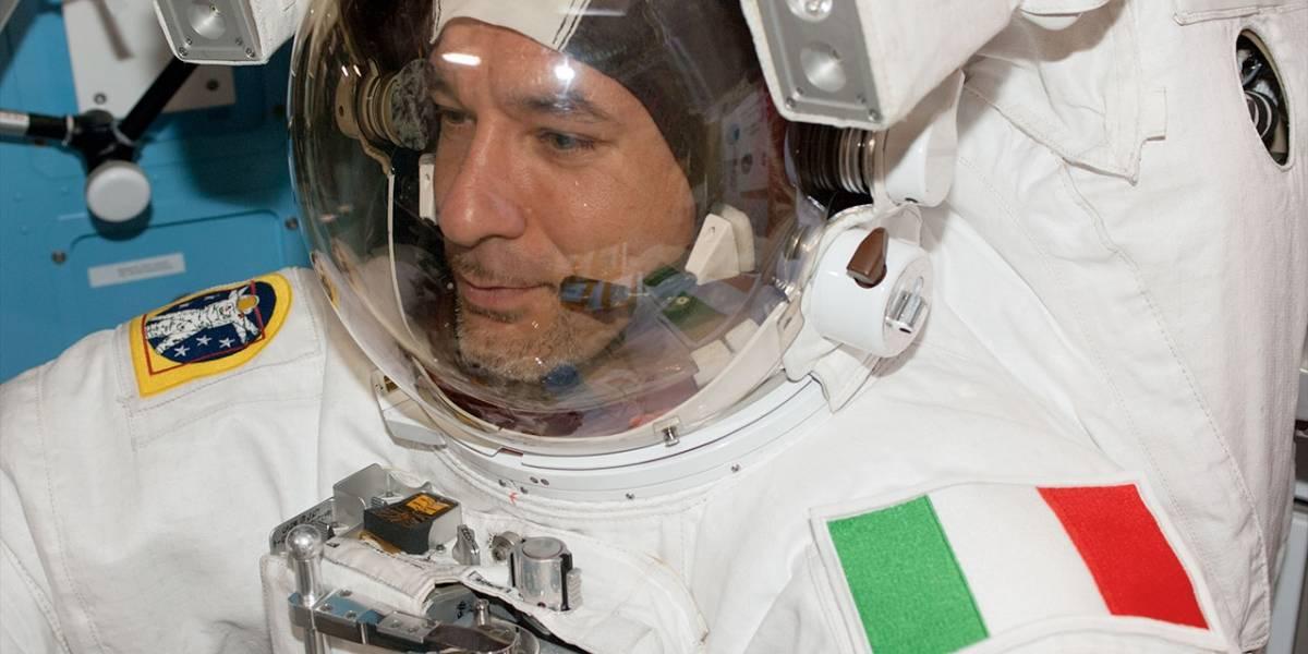 Astronauta relata cómo casi se ahoga en una caminata espacial