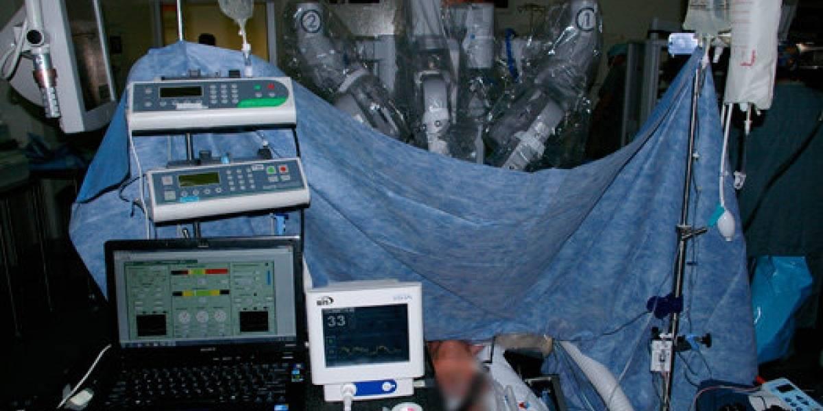 Realizan primera cirugía 100% robótica en Canadá