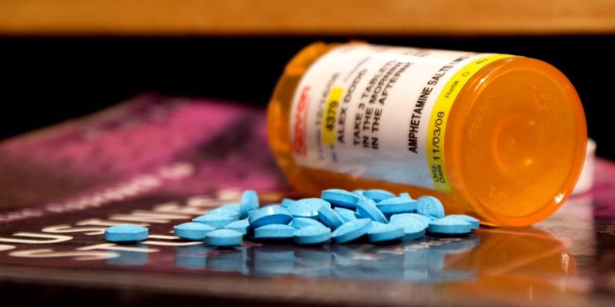 FDA quiere que farmacéuticas tuiteen efectos secundarios de sus medicamentos