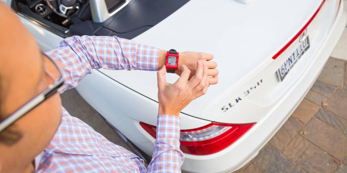 Mercedes Benz prueba enviar alertas a tu reloj Pebble