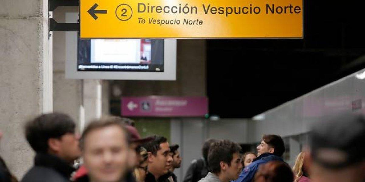 Metro de Santiago restablece servicio en Línea 2