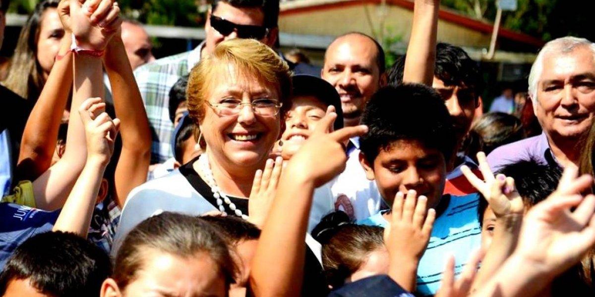 Michelle Bachelet reactiva su página de Facebook