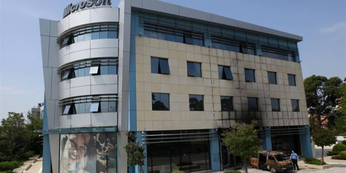 Microsoft Grecia sufre un ataque con una camioneta explosiva