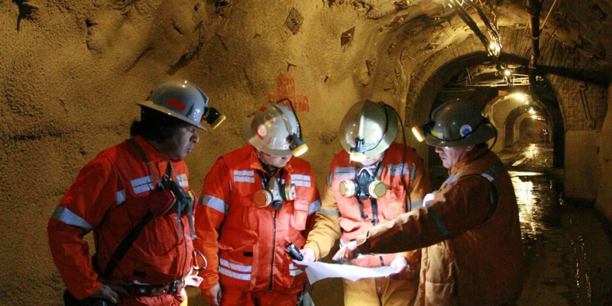 Casaca para monitorear mineros gana primer lugar en el Desafío Intel