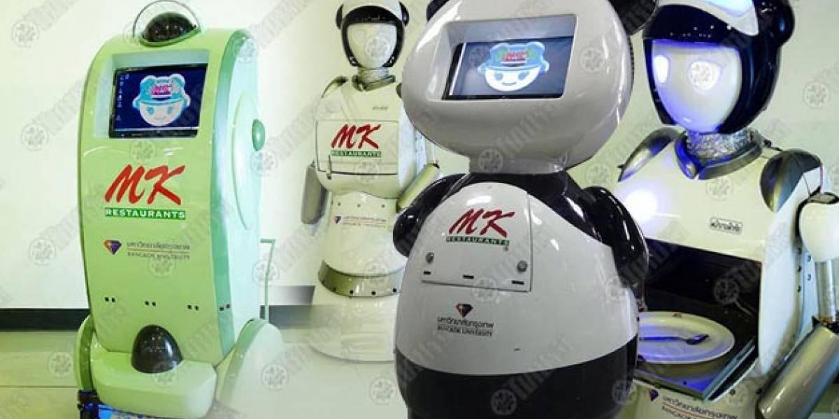 Desarrollan robots camareros en Tailandia