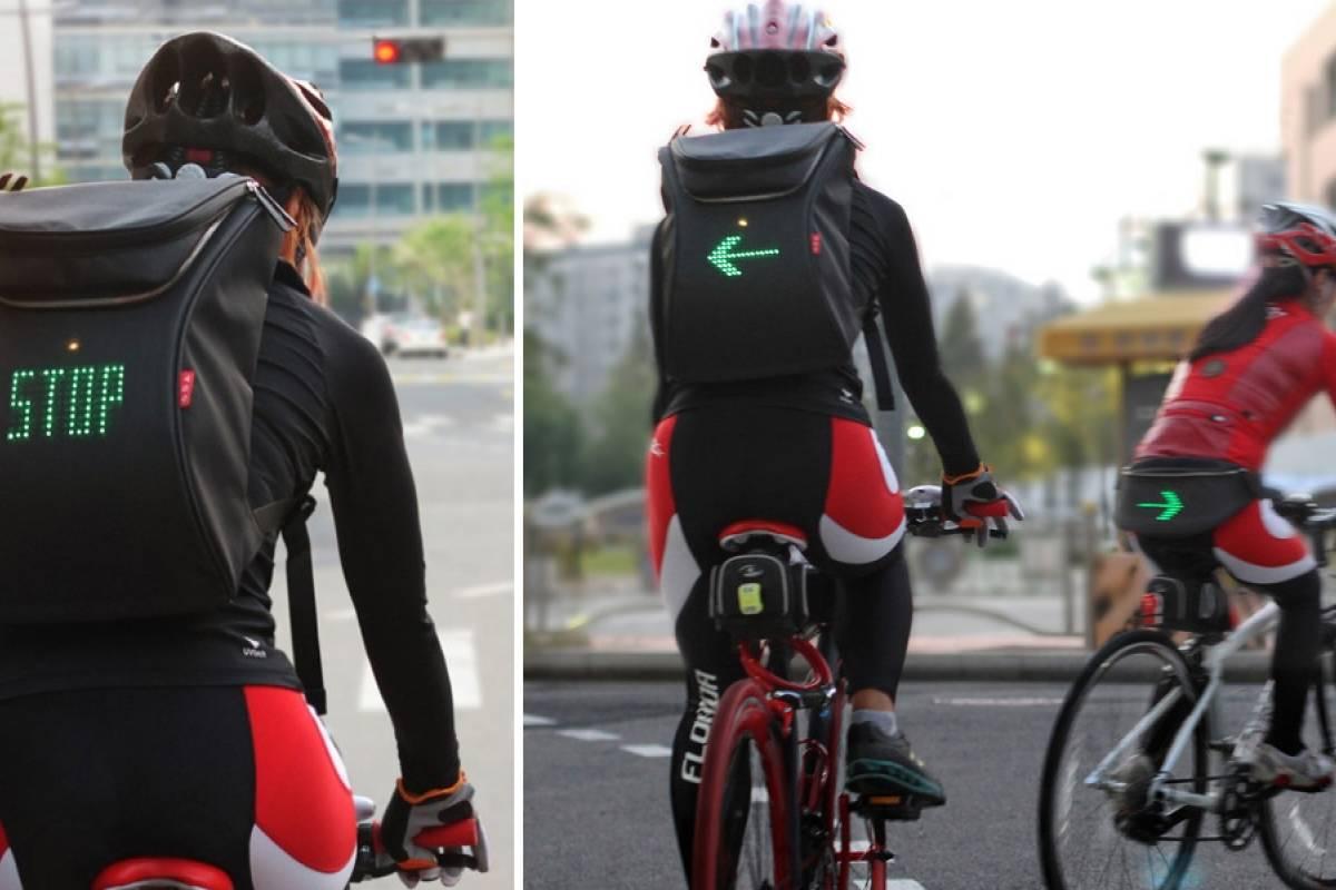 Esta mochila para ciclistas muestra avisos LED