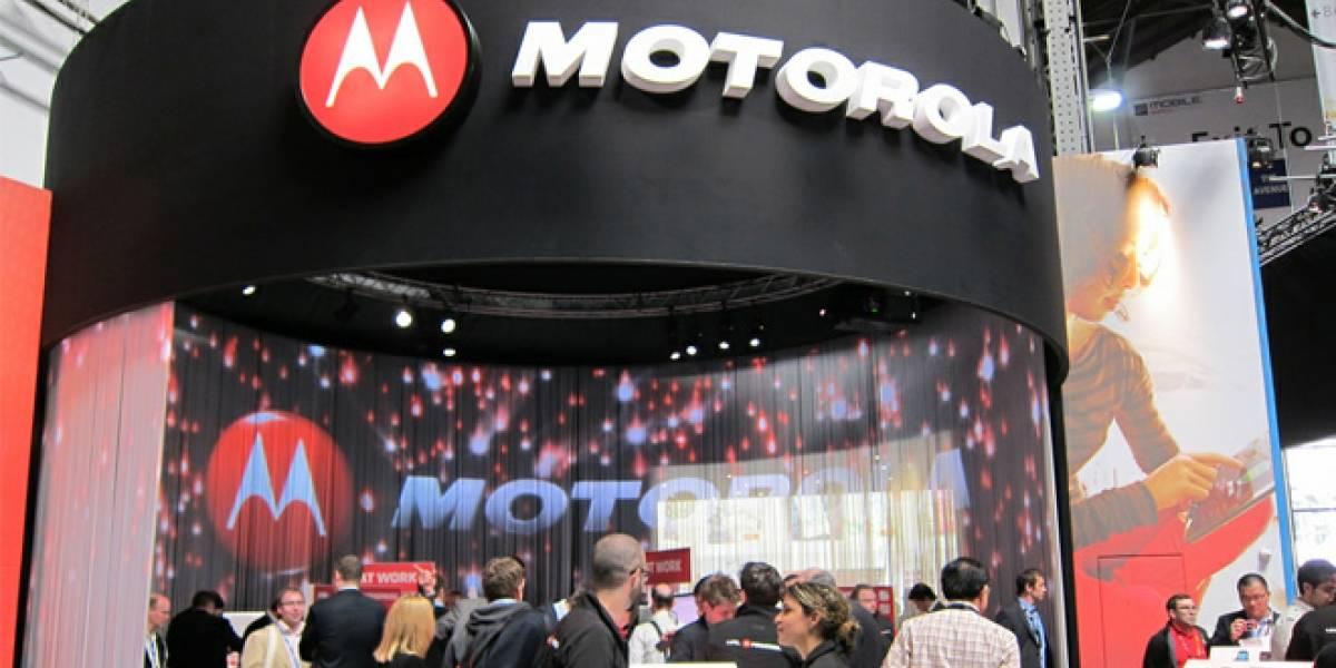 Google completa la adquisición de Motorola Mobility, se inician los cambios