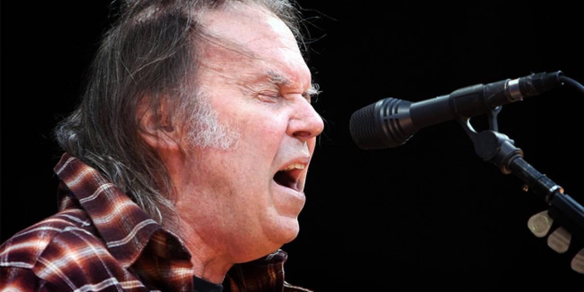 Neil Young registra nombres para un nuevo formato de audio de mejor calidad
