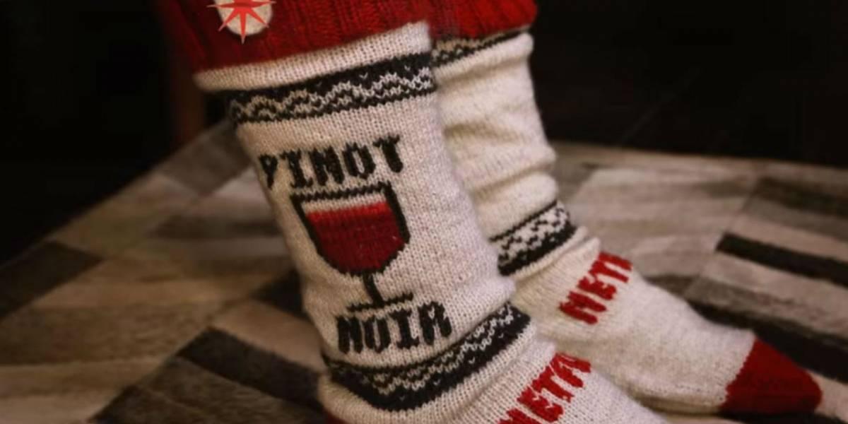 Lo último en controles remotos para Netflix son unos calcetines