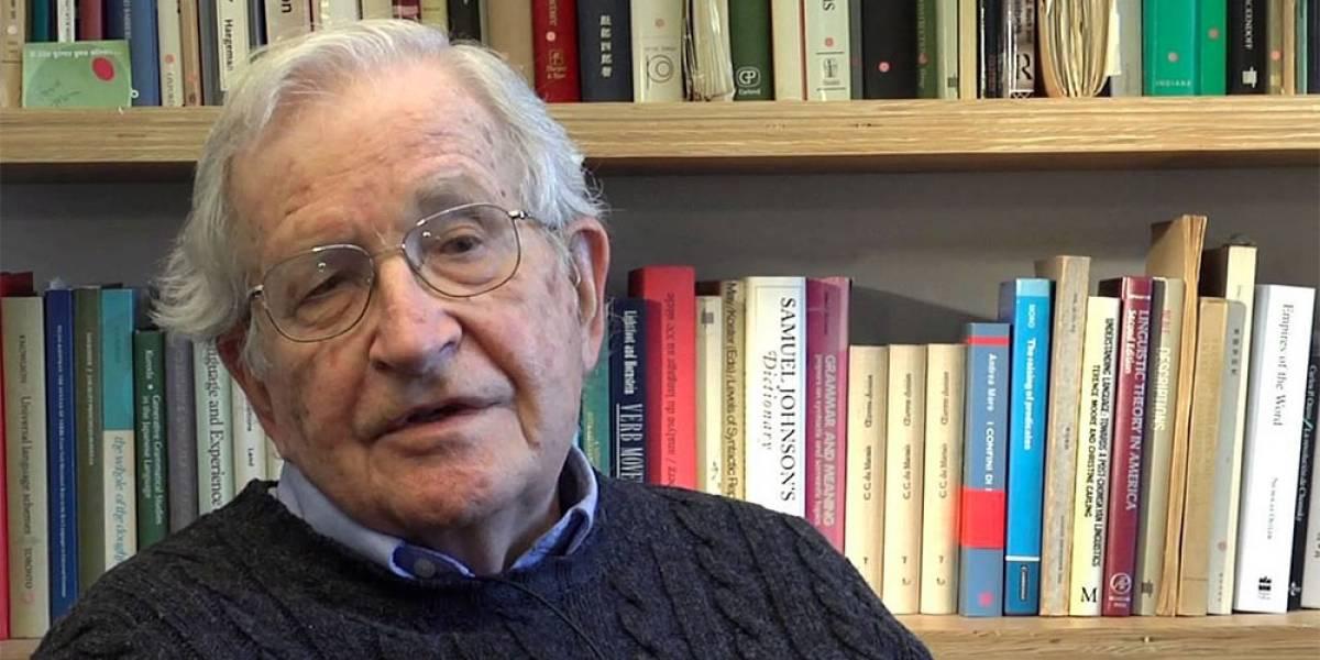 Noam Chomsky dice que Google Glass destruye a la gente