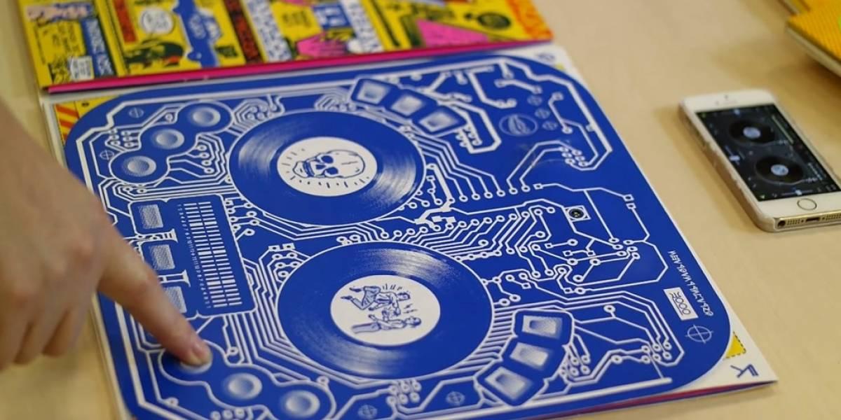 Podrás jugar con la cubierta de este disco como si fuera una tornamesa