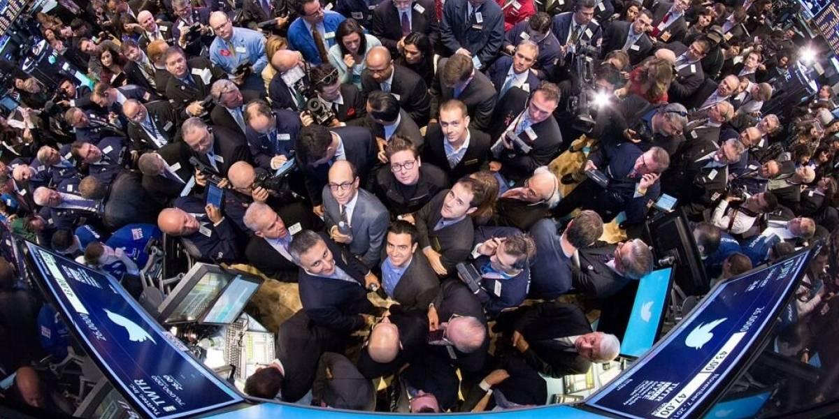 Twitter cierra su primer día con un alza de 73% en sus acciones