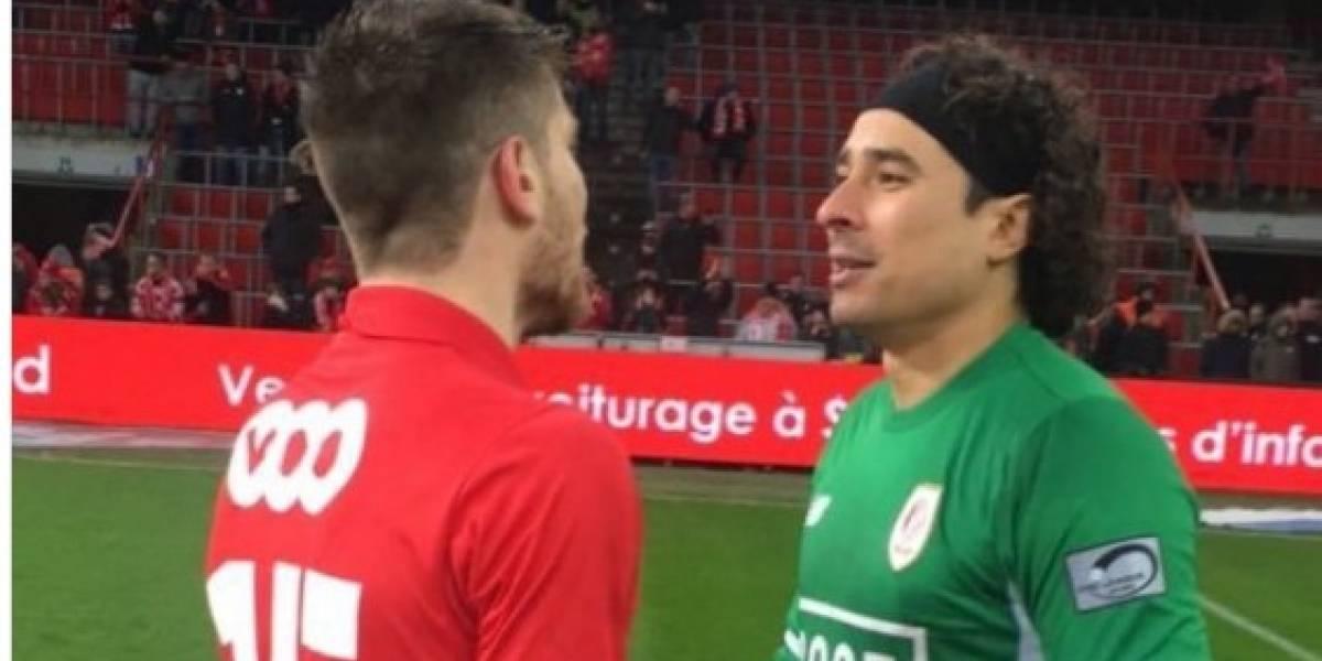 Memo Ochoa fue a la banca, después de 23 partidos en Bélgica
