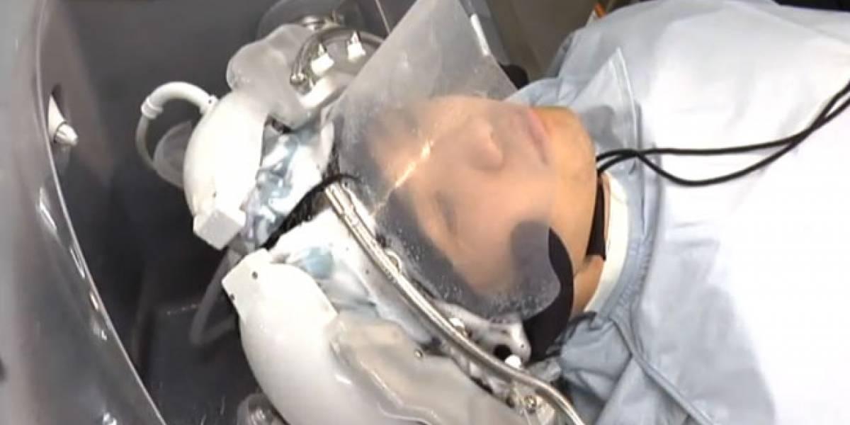 Panasonic prueba robot peluquero en Japón