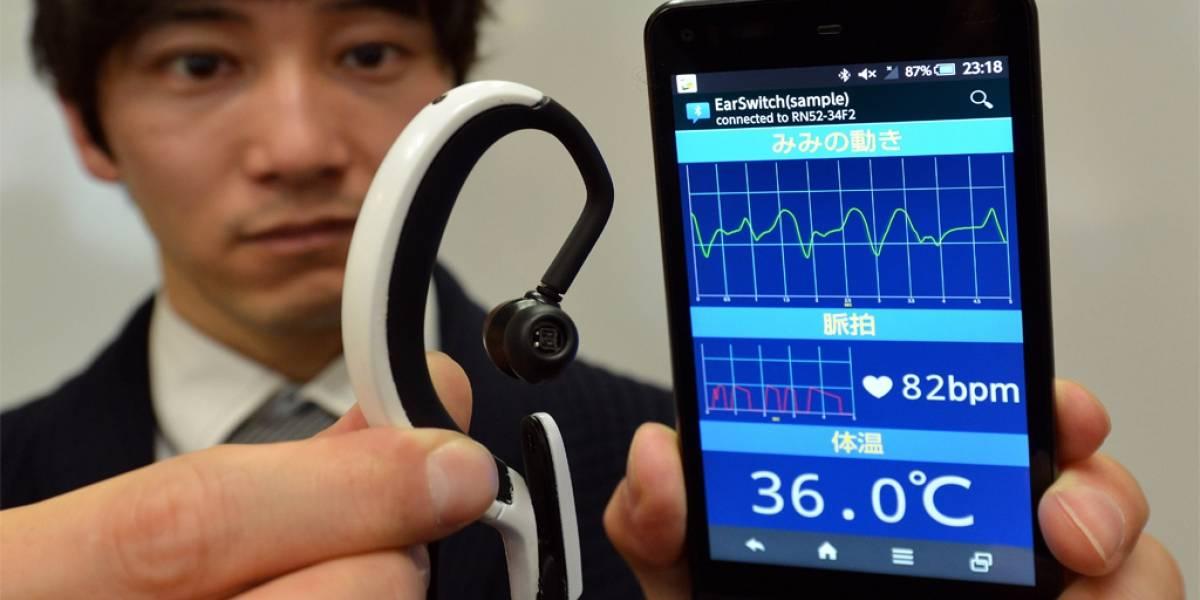 Japoneses crean computador que se instala en la oreja