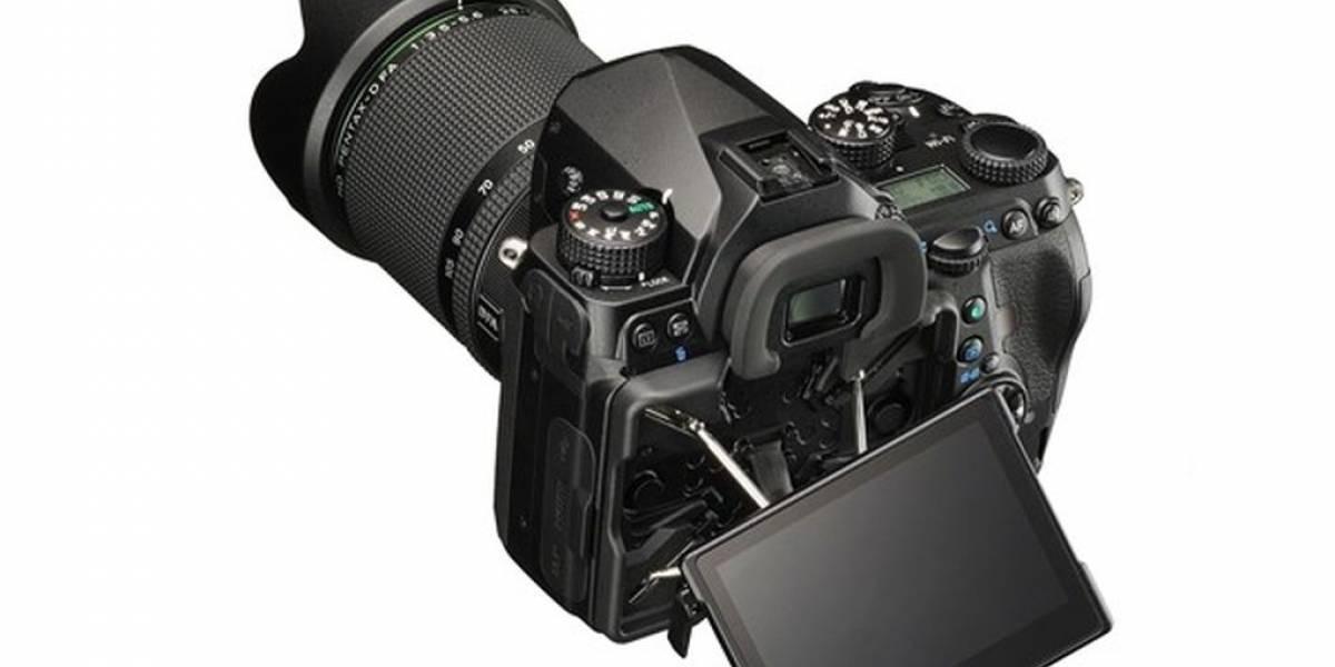Pentax presentó su primer cámara réflex digital full-frame