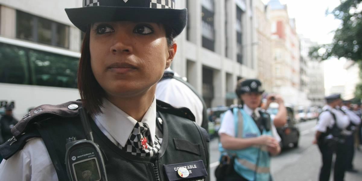 Policías armados de Londres llevarán videocámaras