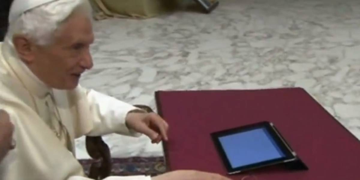 Papa Benedicto XVI lanza su primer tweet
