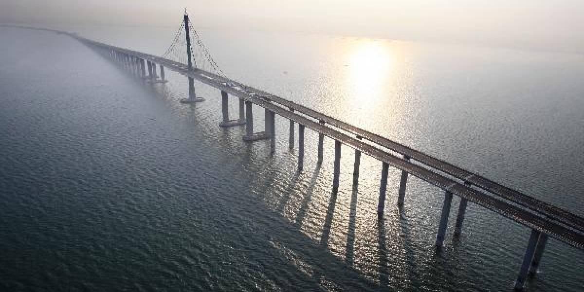 China inaugura el puente más largo del mundo