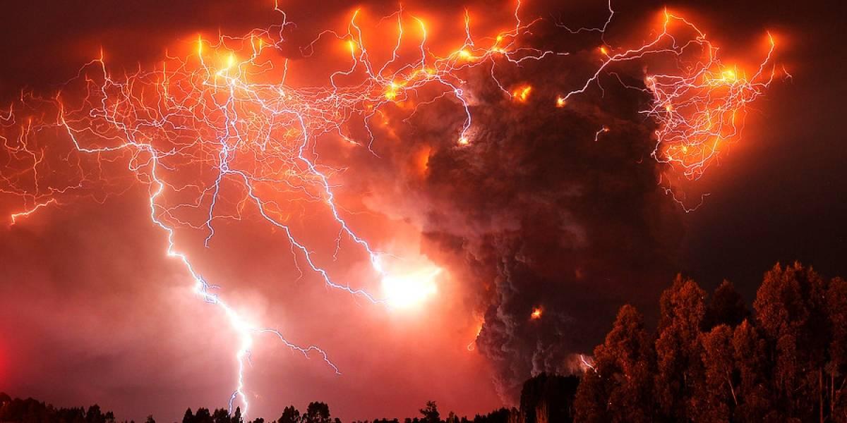 ¿Por qué salen rayos en las erupciones volcánicas?