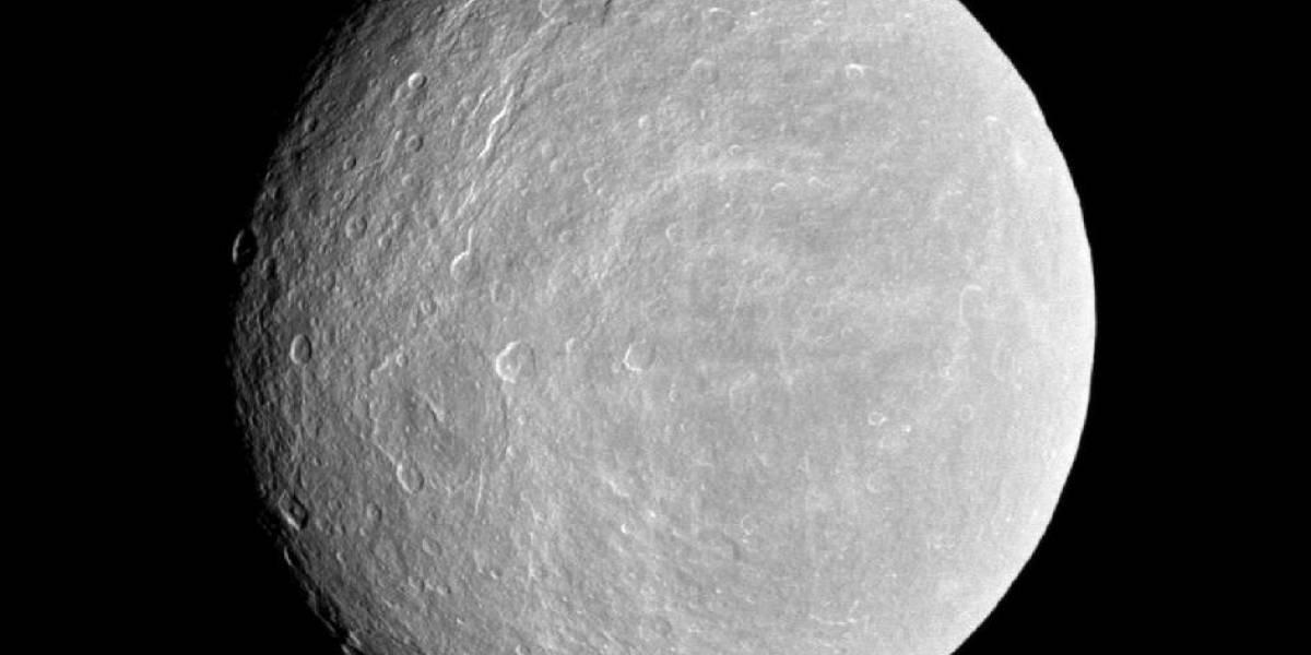Descubren oxígeno en una de las lunas de Saturno