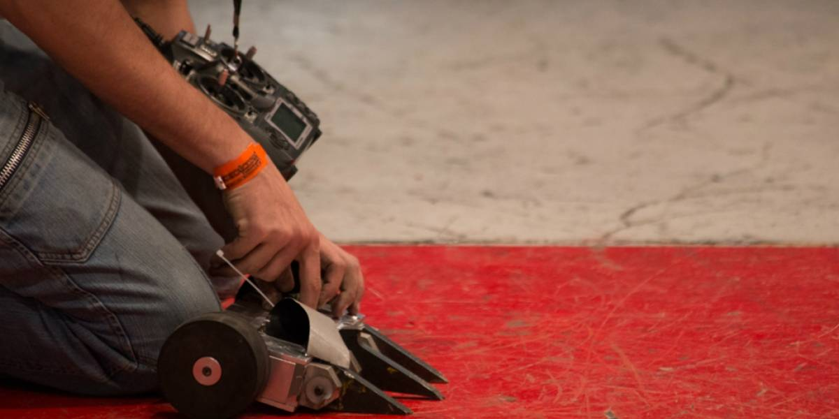 Estudiantes mexicanos triunfan en torneo de robótica en Brasil