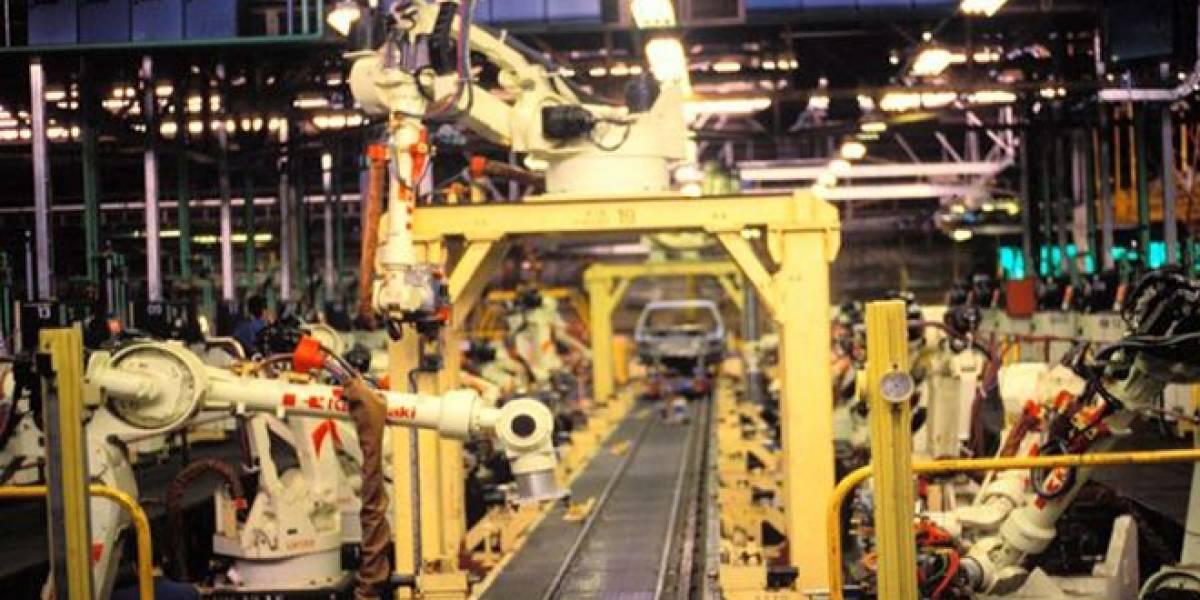 Foxconn comienza el reemplazo de personas por robots