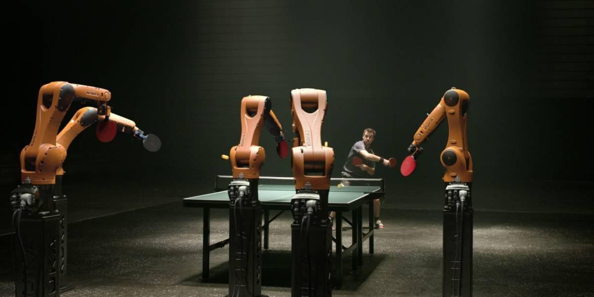 El hombre gana al robot en ping-pong