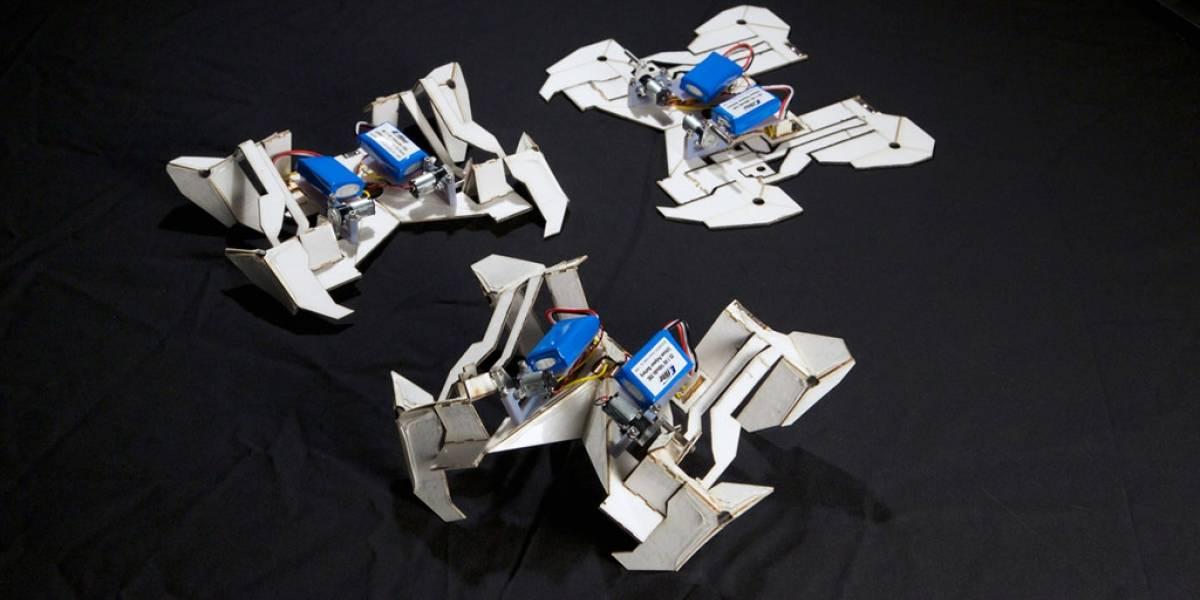 Crean robot que se pliega a sí mismo como figura de origami