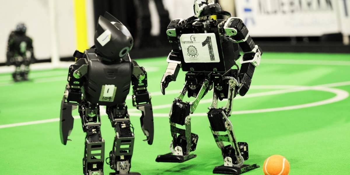 Robots futbolistas se dan cita en RoboCup en Holanda