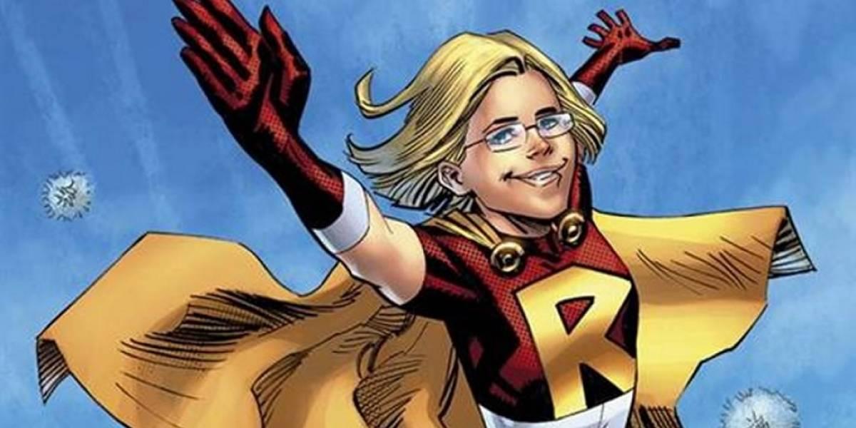 Niña se quejó de la falta de heroínas en los cómics y DC la convierte en una