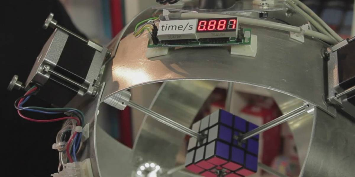 Esta máquina resolvió el cubo rubik en menos de un segundo