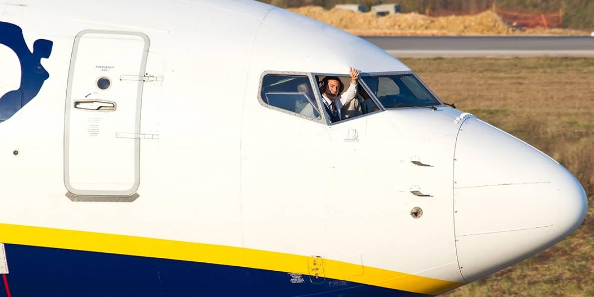Ryanair permitirá el uso de dispositivos electrónicos en despegue y aterrizaje