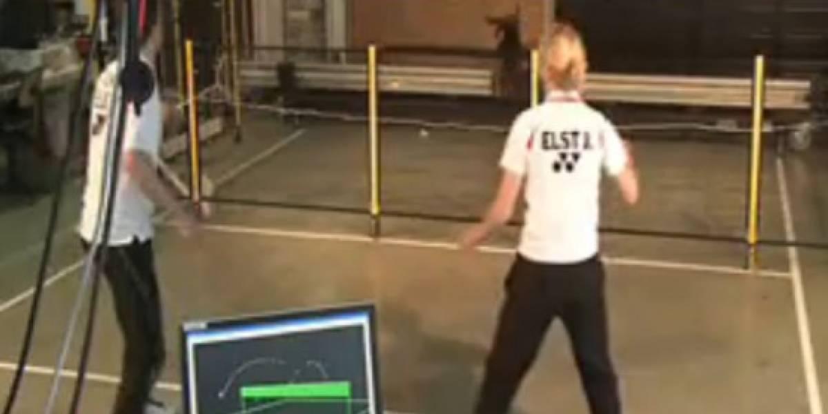 Juega badminton con este robot y gánale siempre