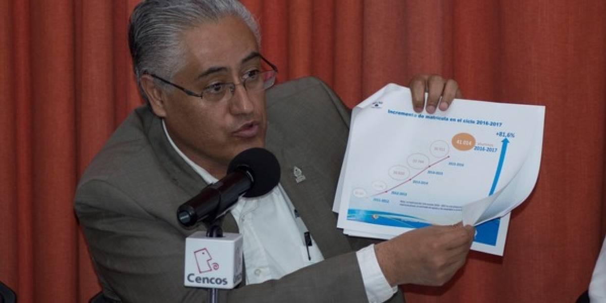 Detienen a ex rector de la UAEM por abuso de confianza