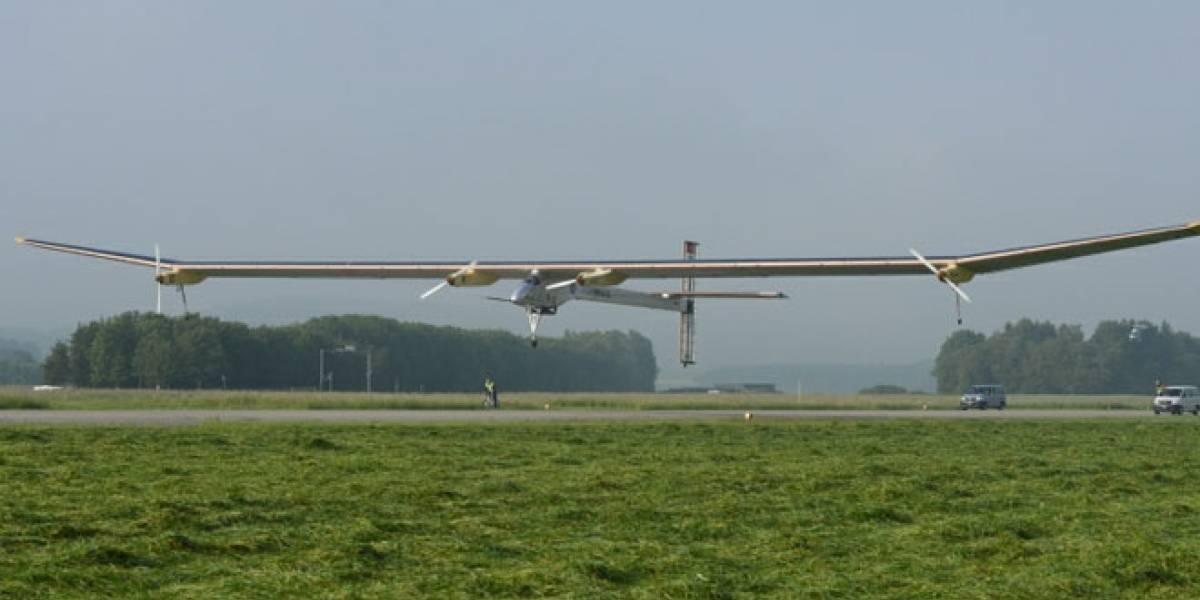 Solar Impulse realizó vuelo Suiza - Madrid como ensayo antes de la vuelta al mundo