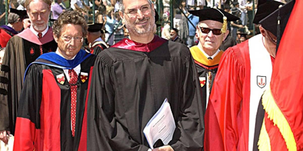 Celebridades asisten a ceremonia de conmemoración en honor a Steve Jobs
