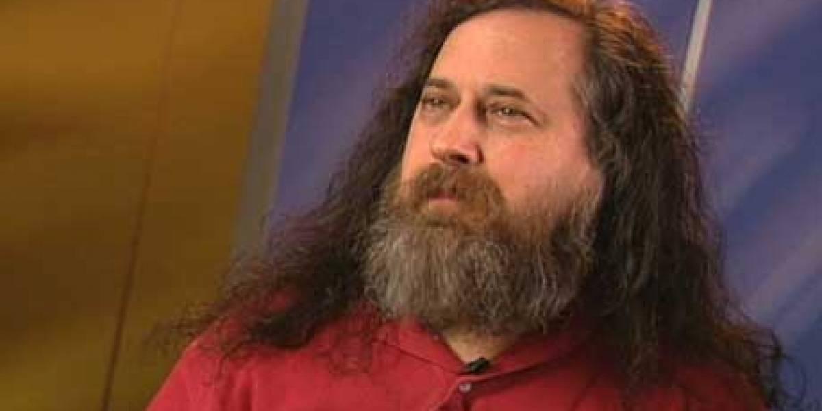 """Stallman reclama que los eBooks vendidos por empresas """"atacan nuestra libertad"""""""