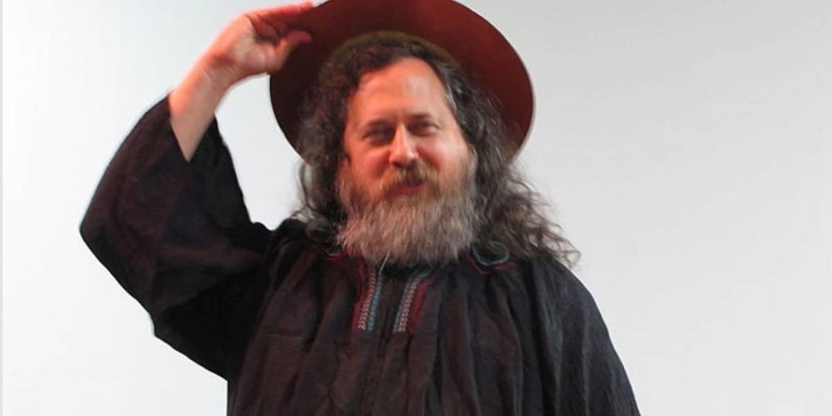 """Stallman insiste: """"Apple es el peor enemigo de la libertad del usuario"""""""