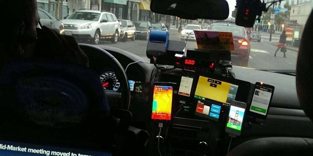Esta foto resume cómo la tecnología ha cambiado el mundo del taxi