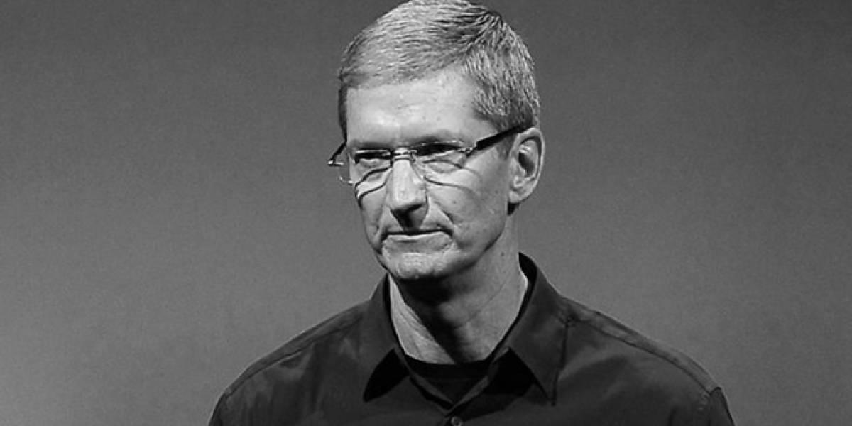 """Ex ejecutivo de Microsoft califica a Tim Cook como un simple """"administrador"""""""