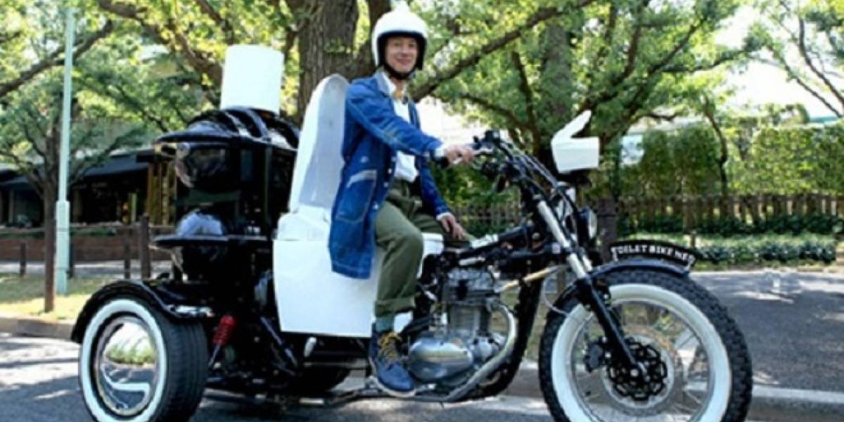 Este triciclo-inodoro es motorizado con el biogás de tus desechos