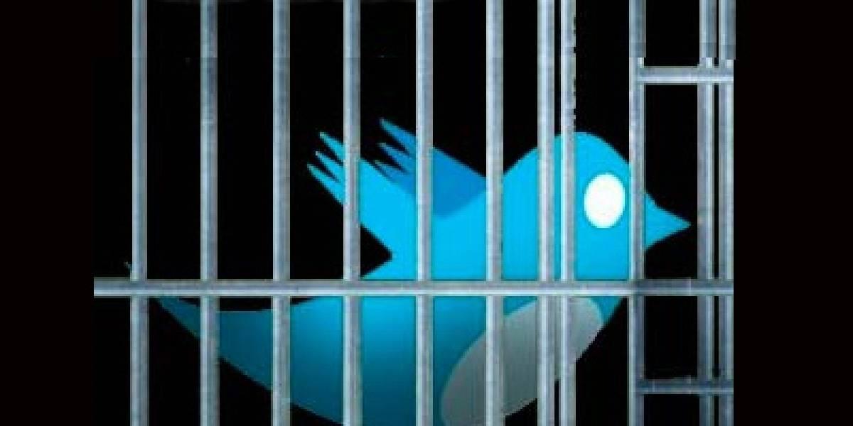 """Mexicanos arriesgan 30 años de cárcel por """"TwitterTerrorismo"""""""