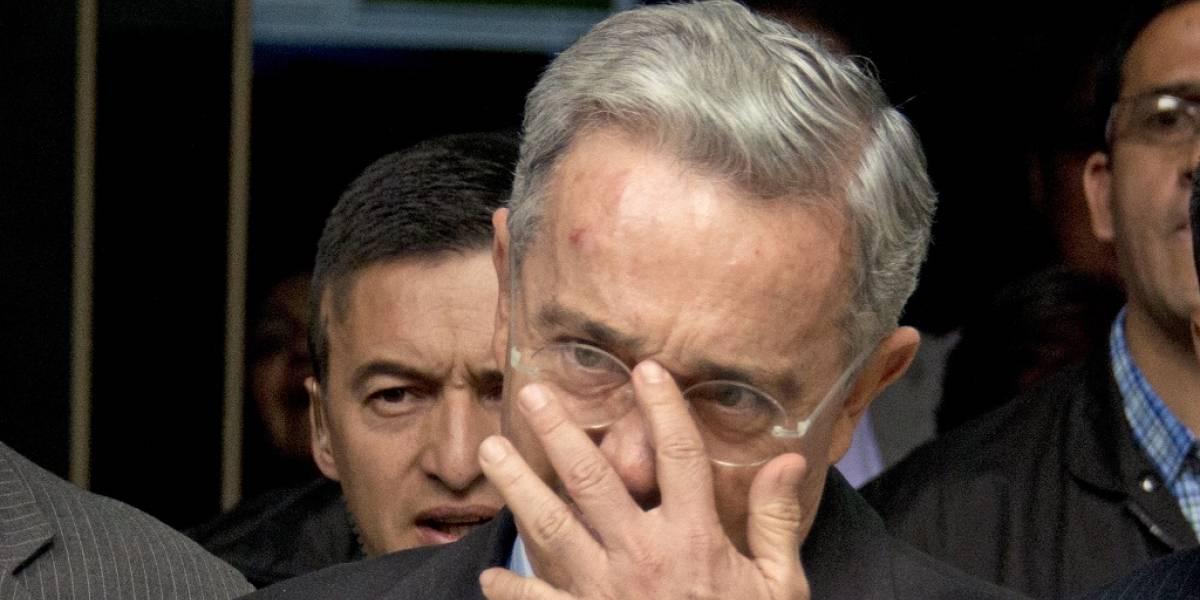 Funcionarios del expresidente colombiano Álvaro Uribe fueron sentenciados por espiar a periodistas