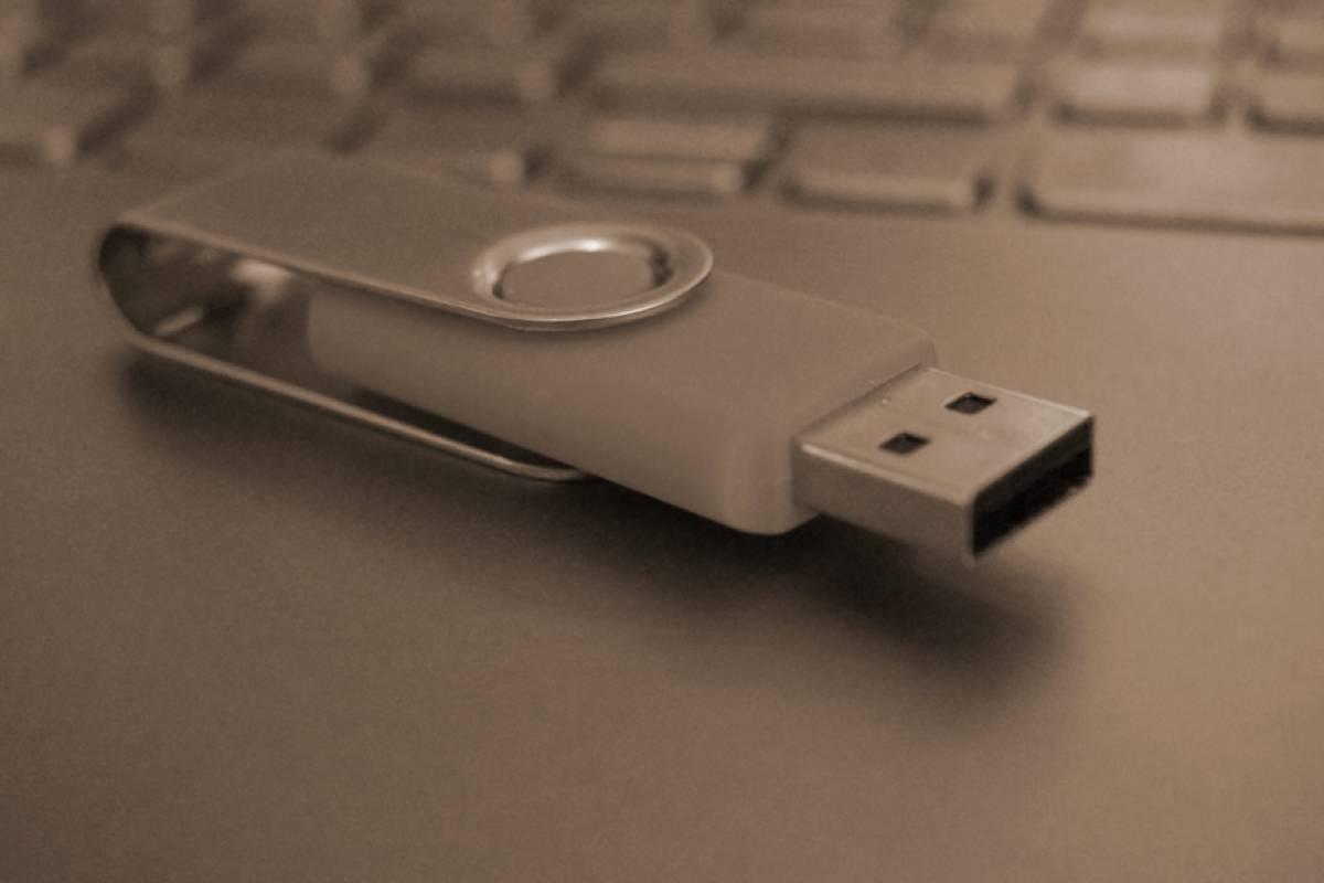 USB tiene un problema de seguridad de nacimiento