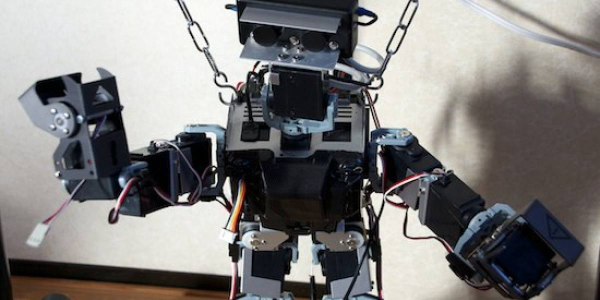 Robot con Kinect quiere ser tu mimo