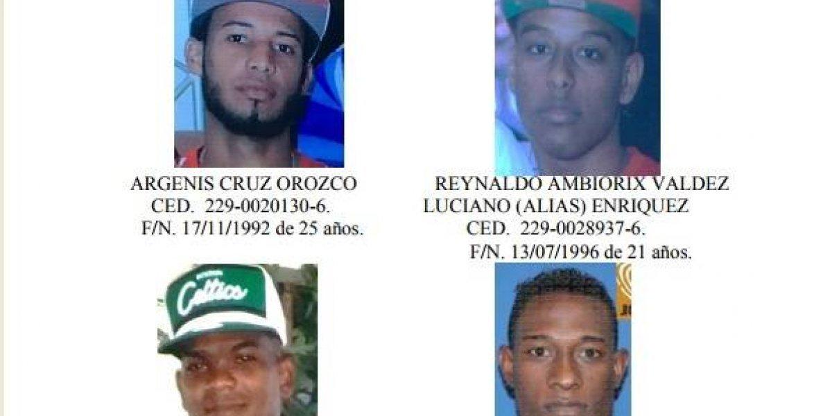 Persiguen integrantes de banda vinculados a muerte de dos oficiales en Los Alcarrizos