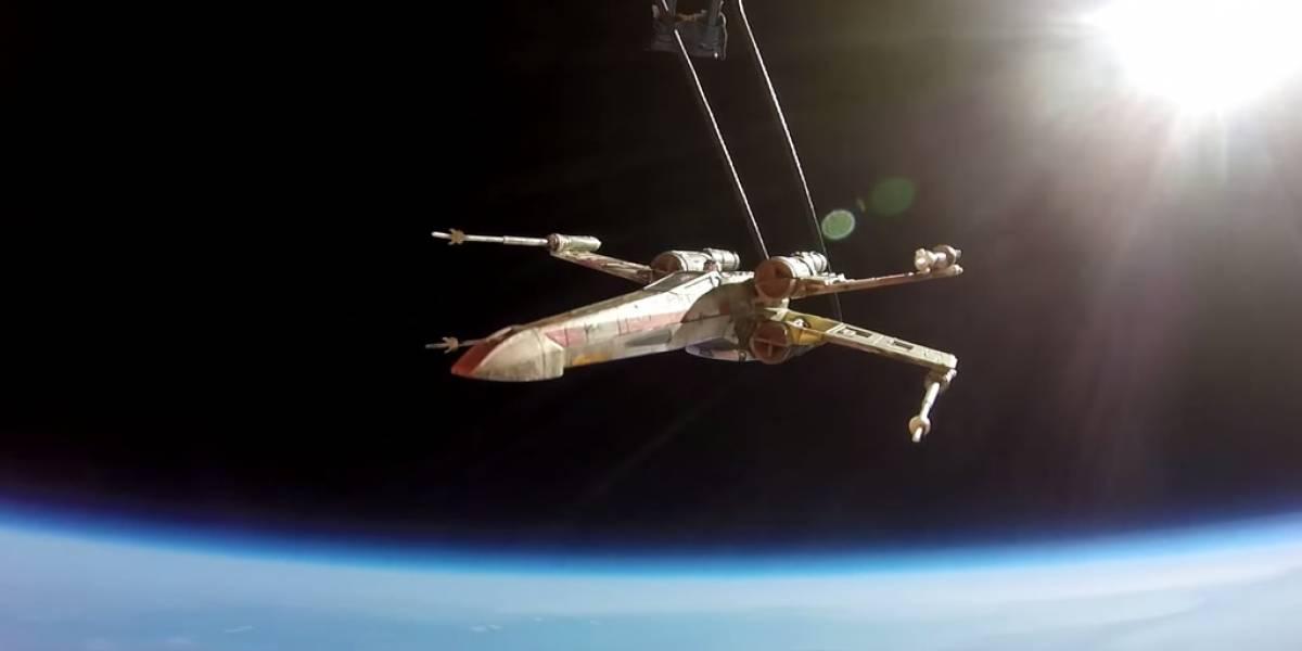 Fans mandaron una X-Wing al espacio para ir a la premier de El Despertar de la Fuerza