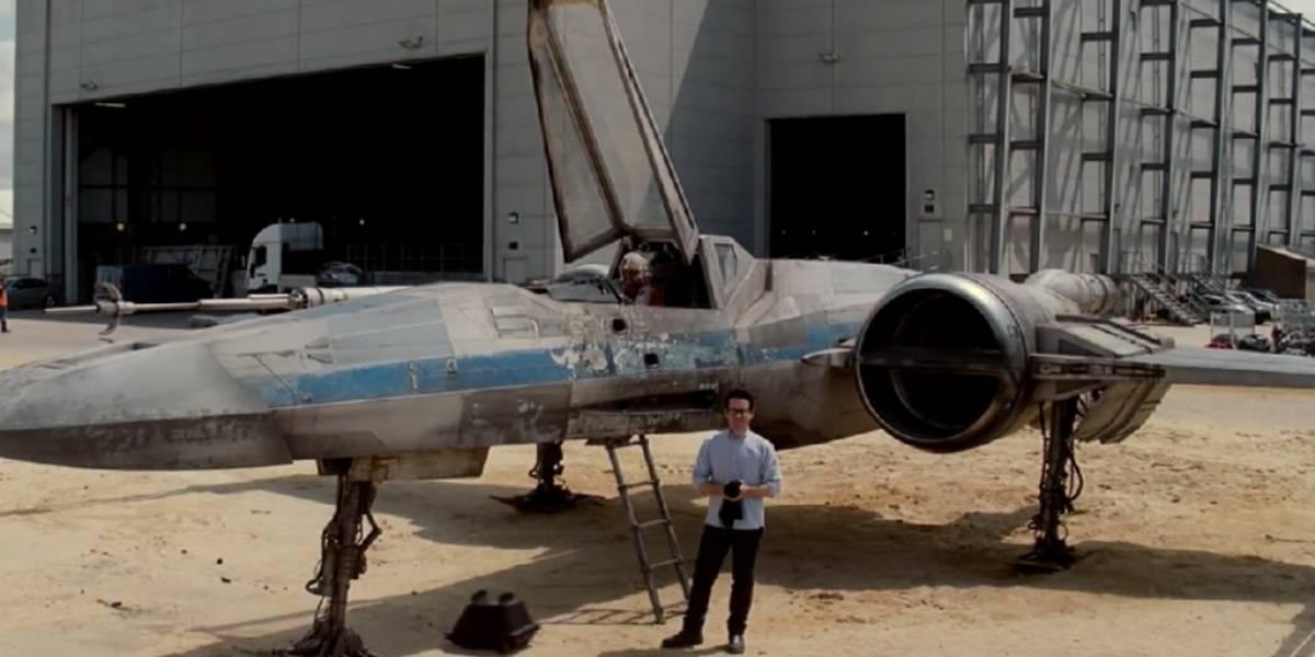 J.J. Abrams muestra una X-Wing en otro video de Star Wars para UNICEF