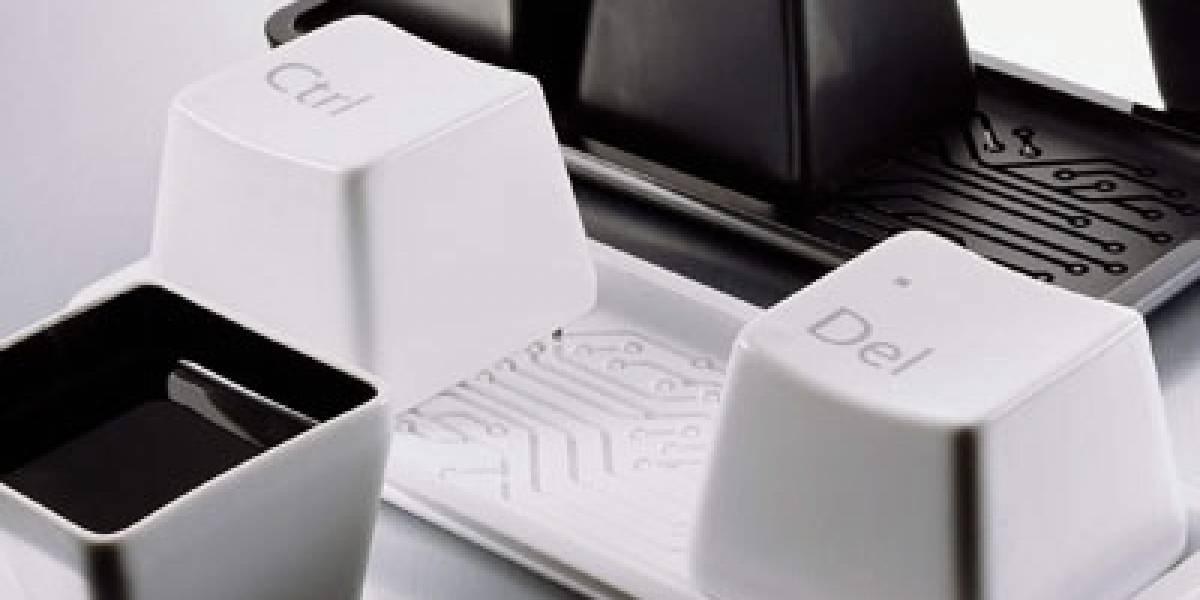 Reset Cups: Vasos con forma de teclas